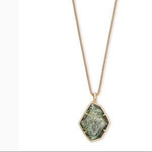 NWT Kendra Scott Kalani Necklace in Gold Sage Mica